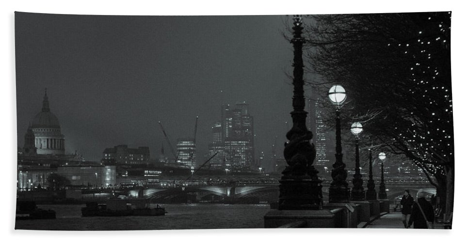 River Hand Towel featuring the photograph River Thames Embankment, London 2 by Perry Rodriguez