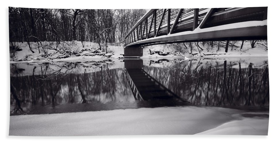 Bridge Bath Sheet featuring the photograph River View B And W by Steve Gadomski
