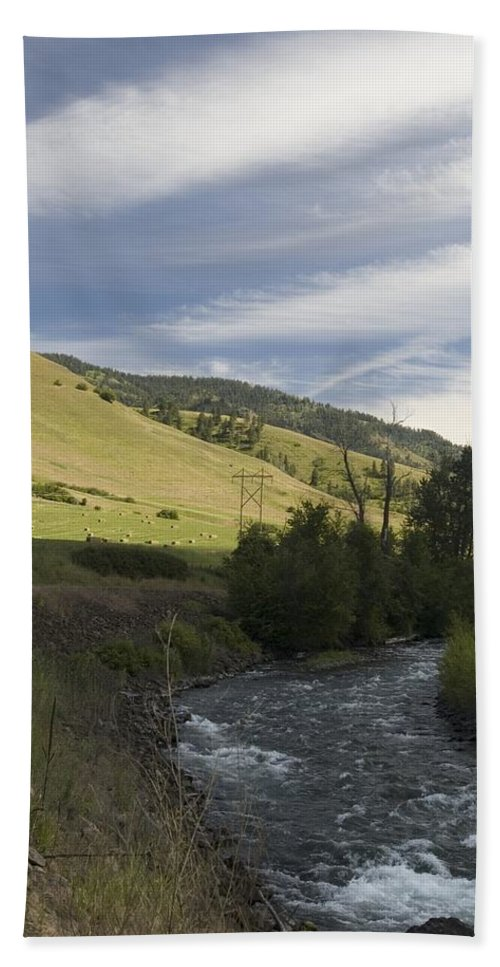 River Hand Towel featuring the photograph River's Bend by Sara Stevenson