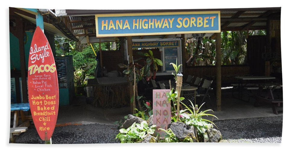 Roadside Stands On Hana Highway Bath Sheet featuring the photograph Road To Hana by Michelle Welles