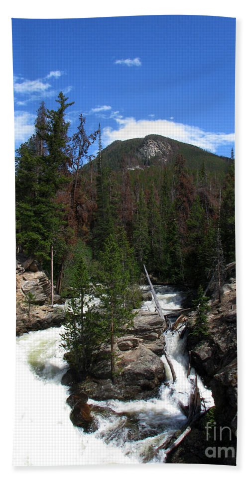 Colorado Hand Towel featuring the photograph Roar by Amanda Barcon