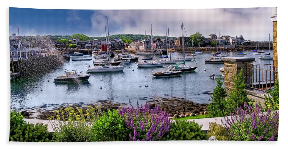 Ocean Hand Towel featuring the photograph Rockport In Bloom by Mark Myhaver
