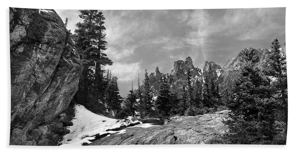 Colorado Bath Sheet featuring the photograph Rocky Mountain Beauty by Marilyn Hunt