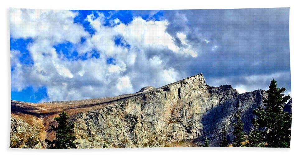 Landscape Hand Towel featuring the photograph Rocky Mountain Summit by Amy McDaniel
