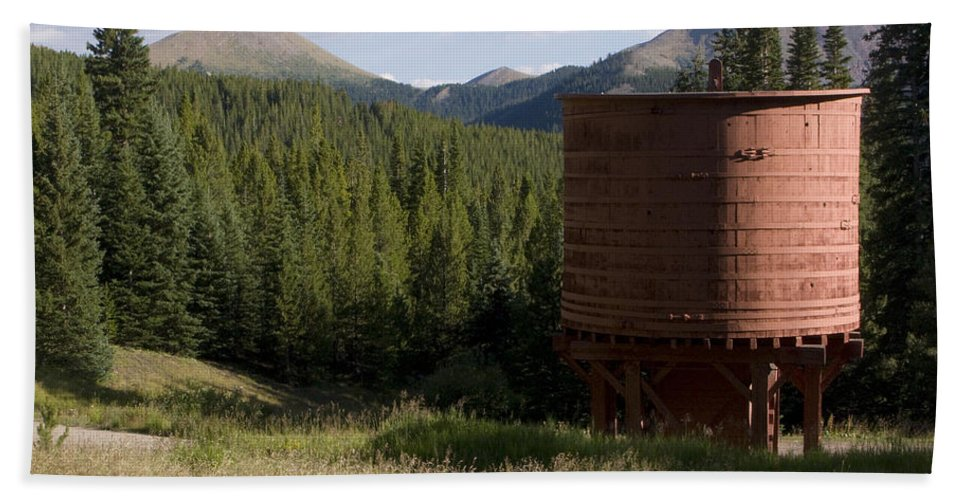 Landscape Bath Towel featuring the photograph Rocky Mountain Water Tower by Jeffery Ball