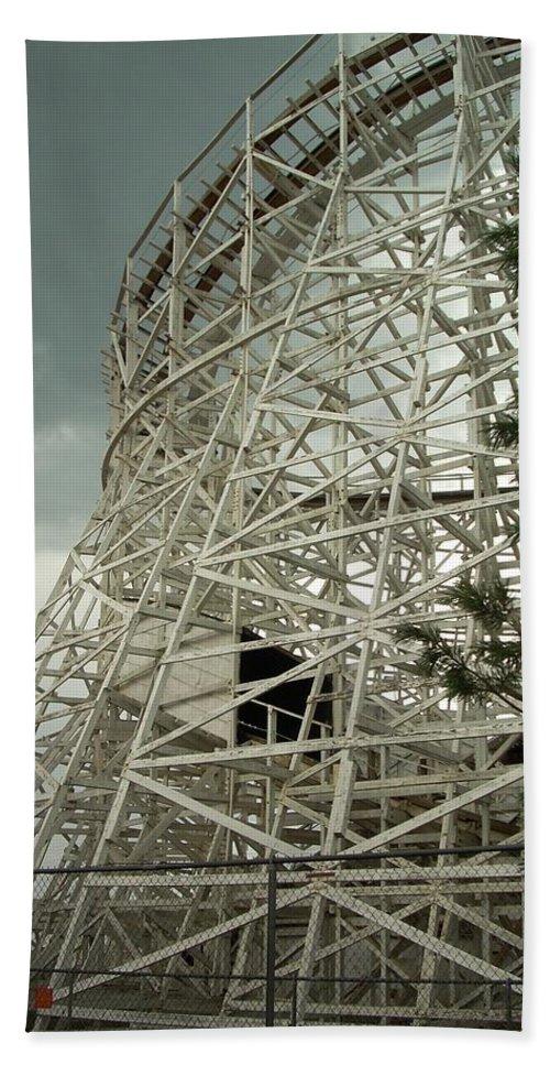 Roller Coaster Bath Sheet featuring the photograph Roller Coaster by Sara Stevenson