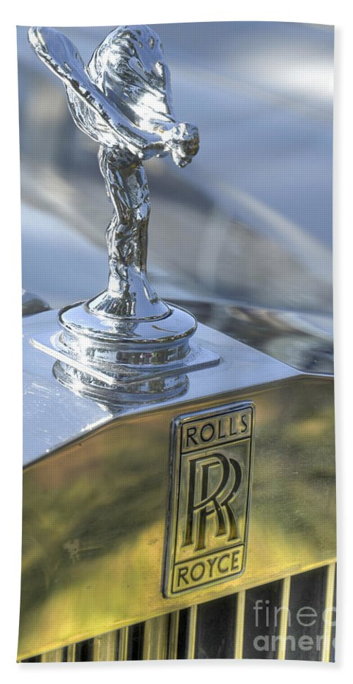 Rolls Royce Hand Towel featuring the photograph Rolls Royce Emblem by Amir Paz
