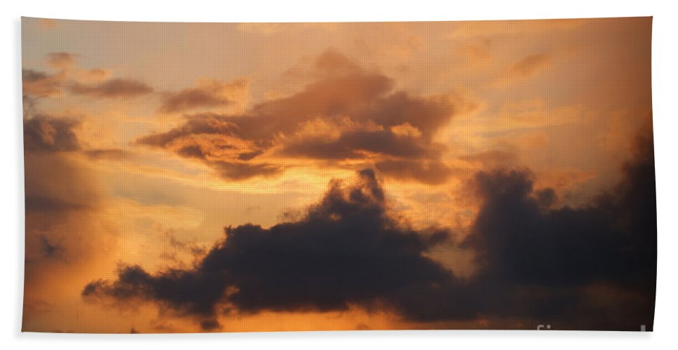 Sunset Hand Towel featuring the photograph Rooftop Sunset 3 by Carol Lynch