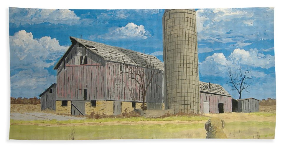 Barn Hand Towel featuring the painting Rorabeck Barn by Norm Starks