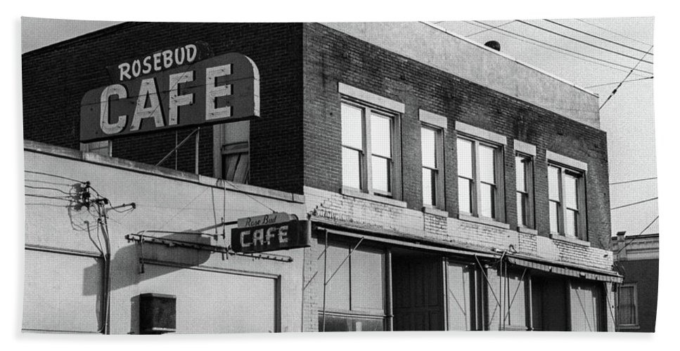 Frank Dimarco Hand Towel featuring the photograph Rosebud Cafe, Roseburg, Oregon by Frank DiMarco