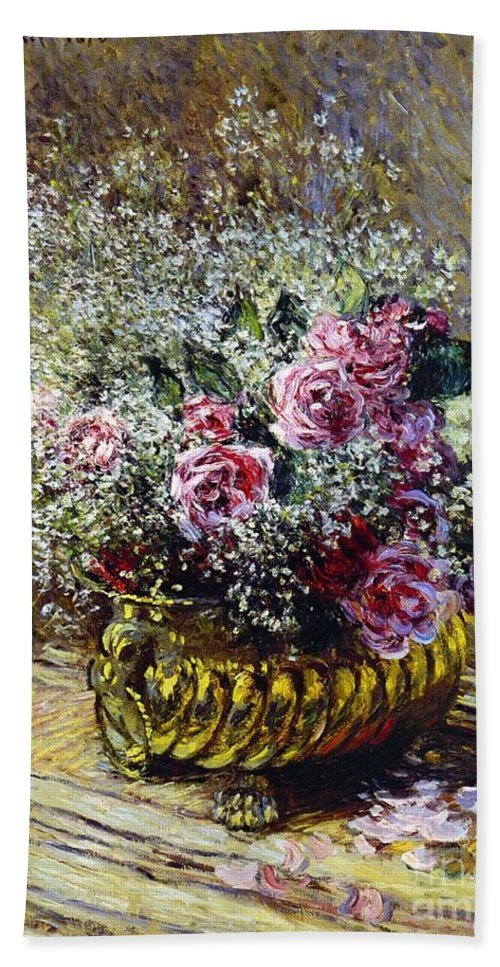 Roses In A Copper Vase Bath Towel featuring the painting Roses In A Copper Vase by Claude Monet