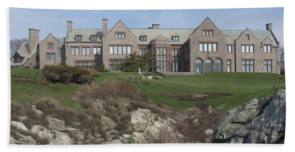 Mansions Hand Towel featuring the photograph Rough Point by Steven Natanson
