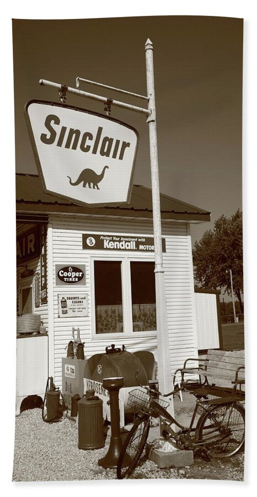66 Bath Sheet featuring the photograph Route 66 - Paris Springs Missouri by Frank Romeo
