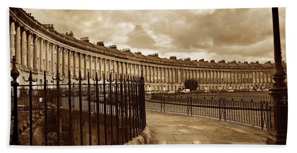 Bath Bath Towel featuring the photograph Royal Crescent Bath Somerset England Uk by Mal Bray