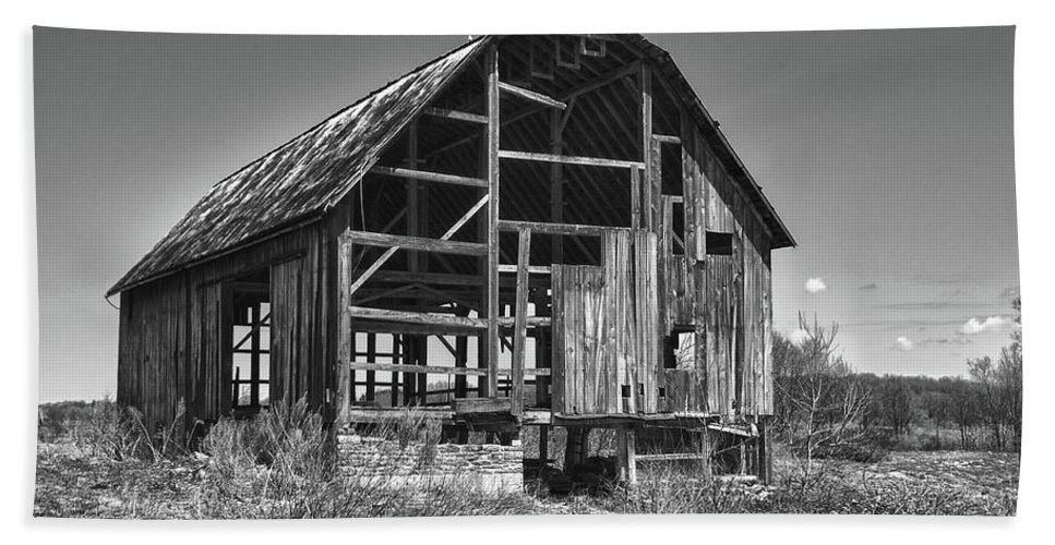 Barn Bath Sheet featuring the photograph Rt 16 Barn 1302a by Guy Whiteley