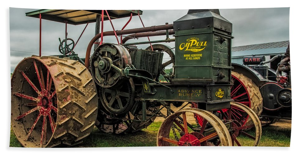 Rumley Hand Towel featuring the photograph Rumley Oil Pull II by Paul Freidlund