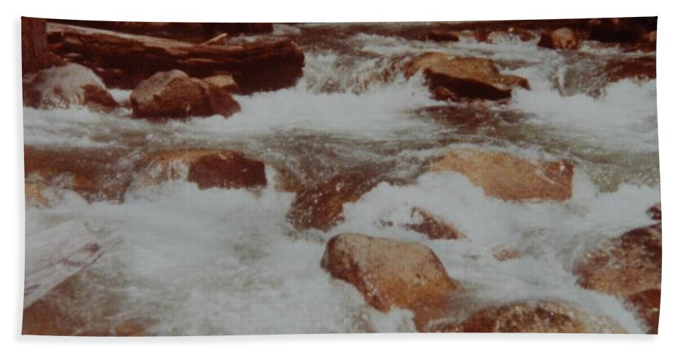 Water Bath Towel featuring the photograph Rushing Water by Rob Hans
