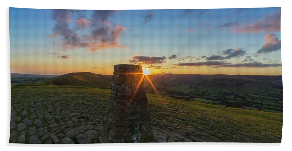 Rushup Edge Bath Sheet featuring the photograph Rushup Edge From Mam Tor Summit Sunset by Ian Haworth