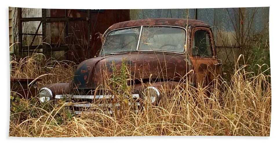 Truck Bath Sheet featuring the photograph Rust In Peace by Frank TuttPutt Tuttle