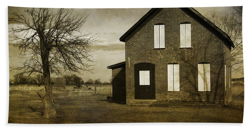 House Hand Towel featuring the photograph Rustic County Farm House by James BO Insogna