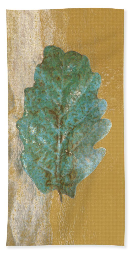 Leaves Hand Towel featuring the photograph Rustic Leaf by Linda Sannuti