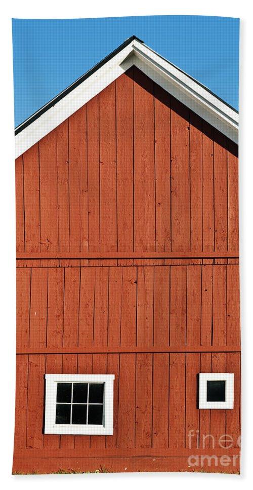 Grafton Bath Sheet featuring the photograph Rustic Red Barn by John Greim