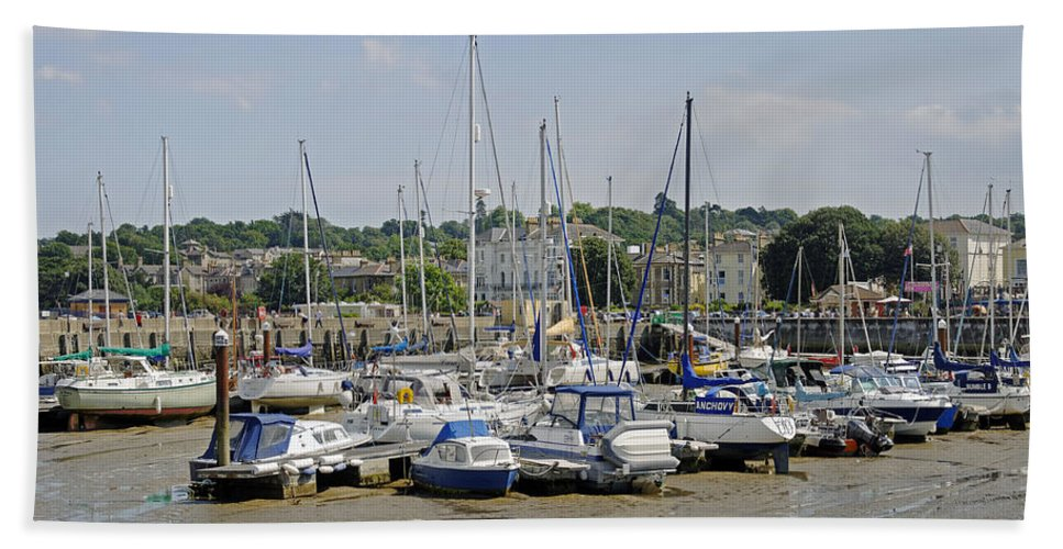 Ryde Hand Towel featuring the photograph Ryde Harbour by Rod Johnson
