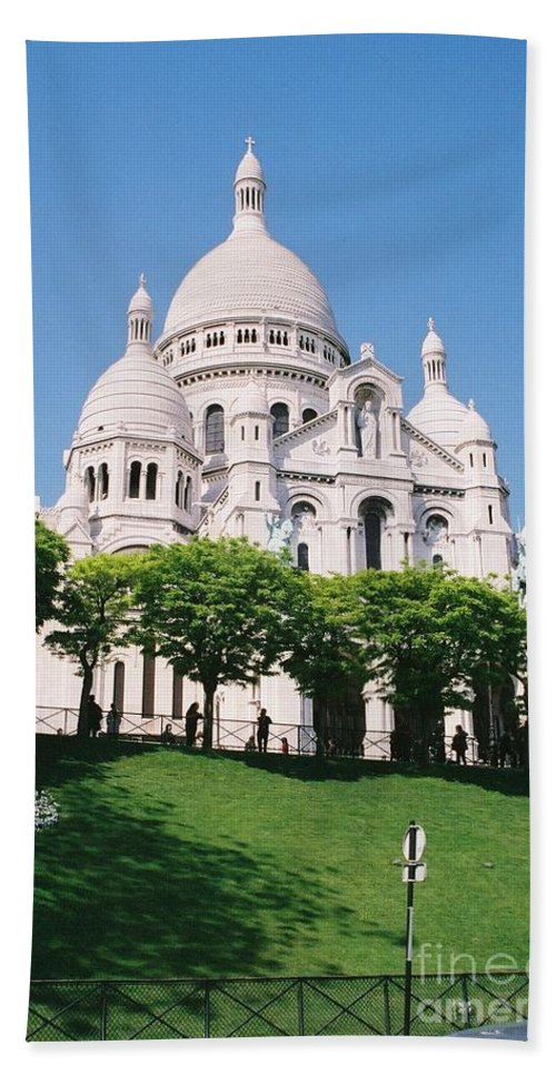 Church Bath Sheet featuring the photograph Sacre Coeur by Nadine Rippelmeyer