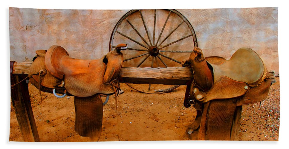 Canyon Creek Ranch Bath Towel featuring the photograph Saddle Town by Tap On Photo