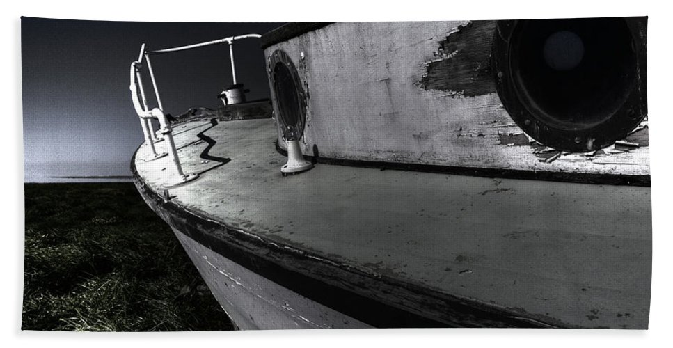 Sailing Bath Towel featuring the photograph Sailing Land by Kelly Jade King