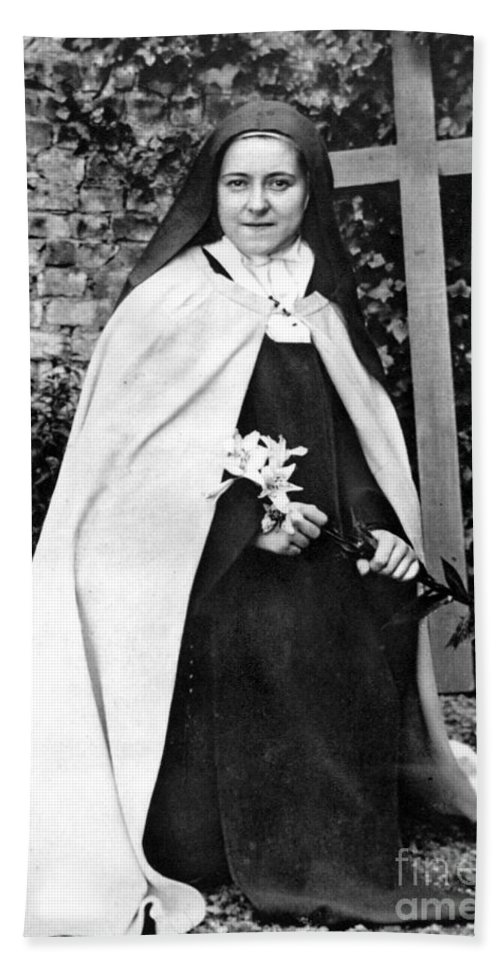 19th Century Bath Towel featuring the photograph Saint Therese De Lisieux by Granger