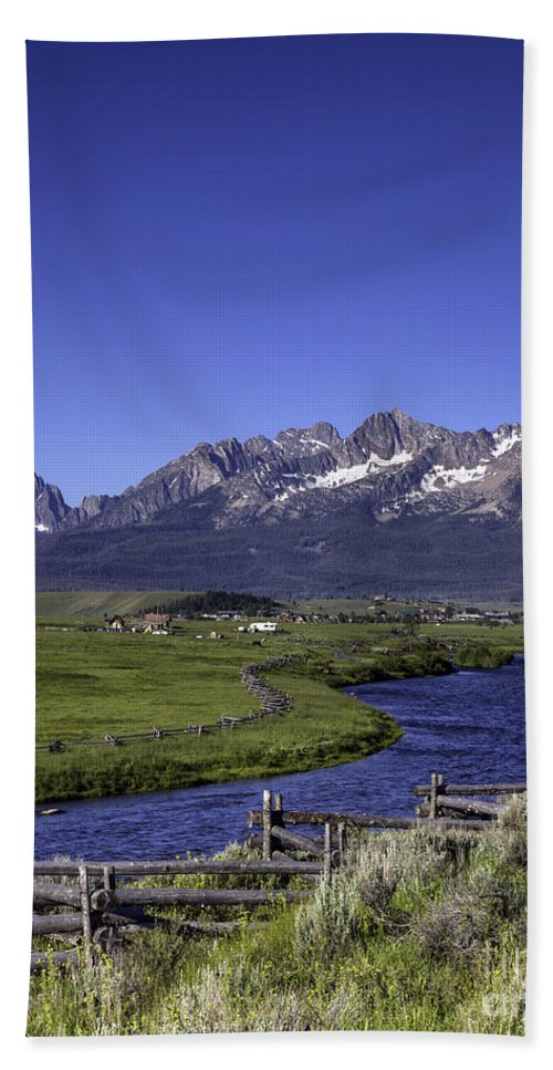 Sawtooth Range Bath Sheet featuring the photograph Salmon River And Sawtooth Mountains by Daryl L Hunter