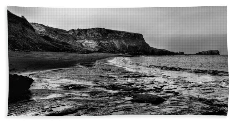 Incoming Tide Bath Sheet featuring the photograph Saltwick Bay by Sarah Couzens