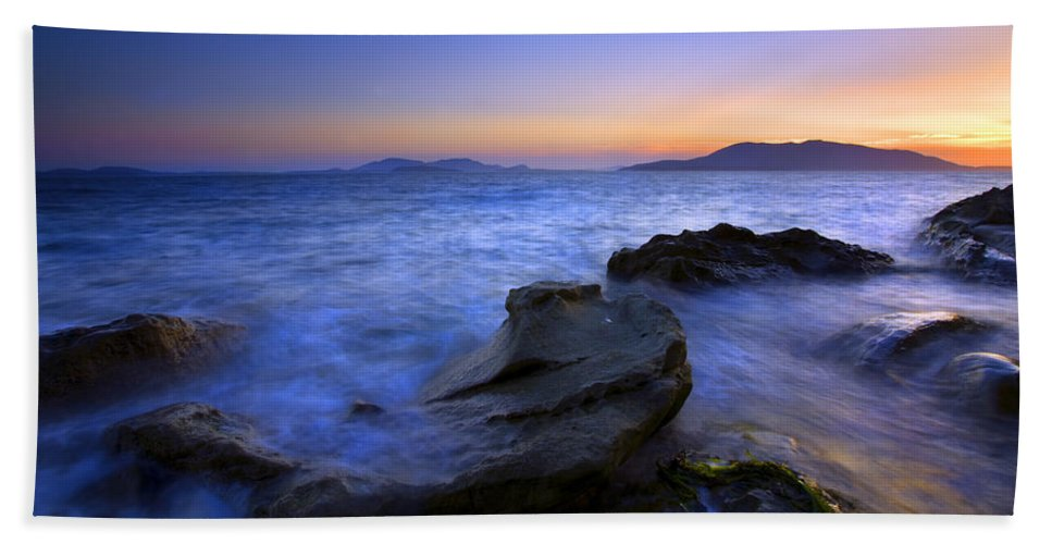 Sunset Bath Sheet featuring the photograph San Juan Sunset by Mike Dawson