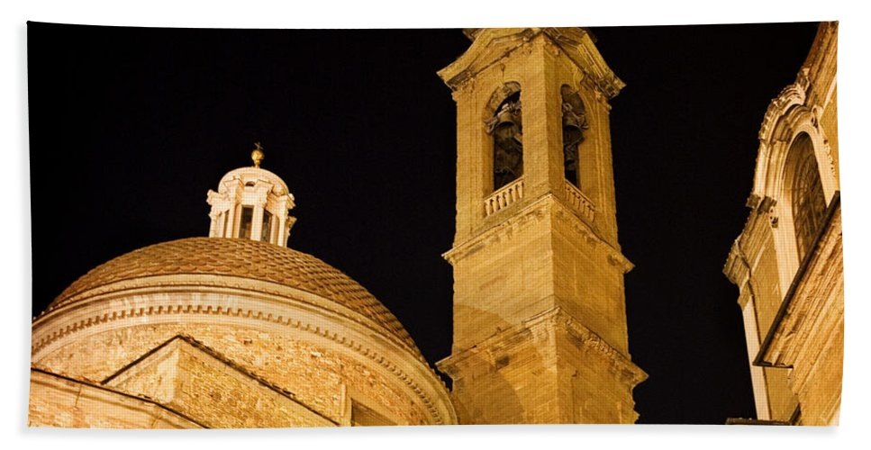 Architecture Bath Sheet featuring the photograph San Lorenzo Chruch Florence Italy by Marilyn Hunt