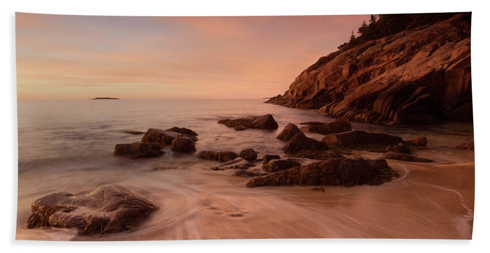 Acadia Np Bath Sheet featuring the photograph Sand Beach At Sunrise by Ed Lowe