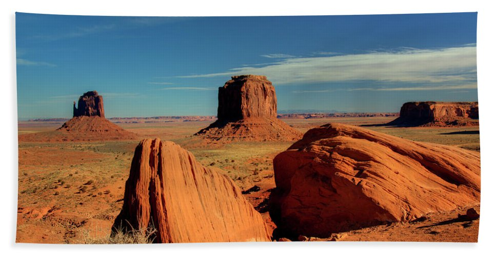 Monument Valley Bath Sheet featuring the photograph Sandstone Near And Far by Paul Cannon