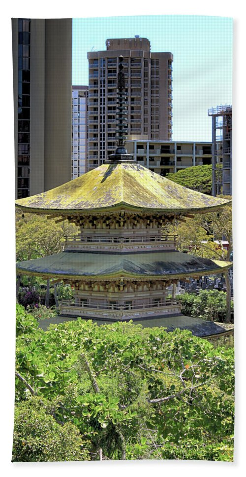 Honolulu Bath Sheet featuring the photograph Sanju Pagoda 2 by Susan Rissi Tregoning