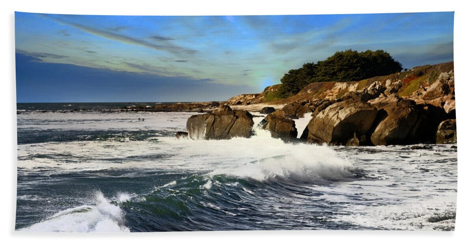 Coastline Hand Towel featuring the photograph Santa Cruz Coastline by Scott Hill