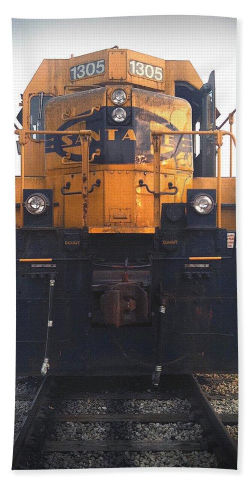 Train Bath Sheet featuring the photograph Santa Fe - 1305 by D'Arcy Evans