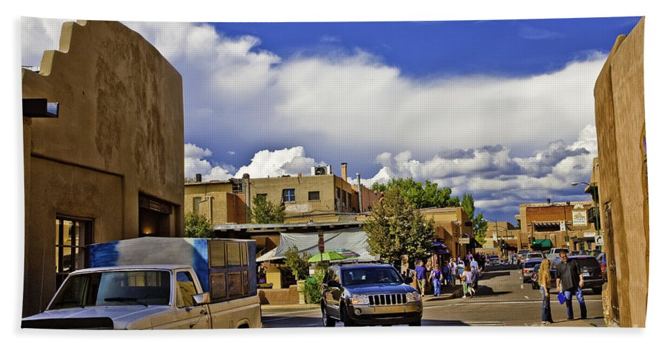 Santa Fe Hand Towel featuring the photograph Santa Fe Plaza 2 by Madeline Ellis