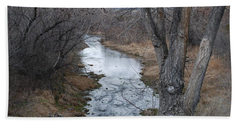 Santa Fe Bath Towel featuring the photograph Santa Fe River by Rob Hans