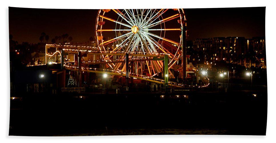 Clay Hand Towel featuring the photograph Santa Monica Pier October 18 2007 by Clayton Bruster
