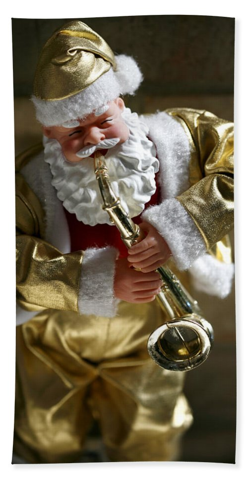 Americana Hand Towel featuring the photograph Santa Playing The Saxaphone by Marilyn Hunt