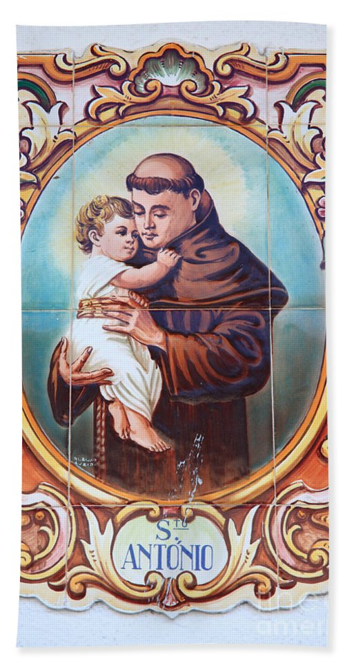 Anthony Of Padua Hand Towel featuring the photograph Santo Antonio De Lisboa by Gaspar Avila