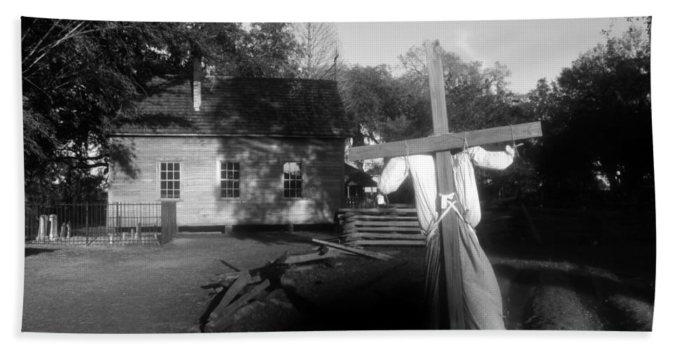 Scarecrow Bath Sheet featuring the photograph Scarecrow by David Lee Thompson