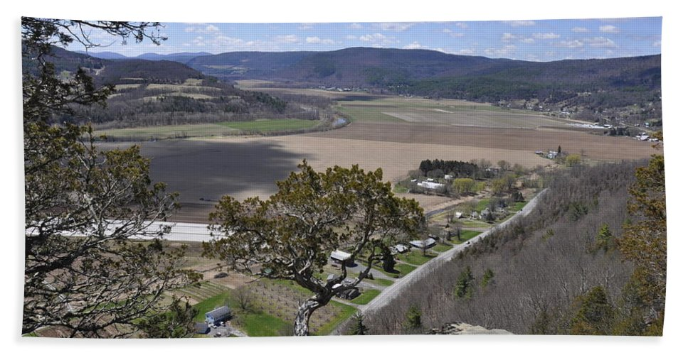 Ny State Hand Towel featuring the photograph Schoharie Valley by Rich Bodane