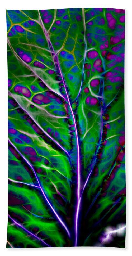 Hakon Bath Sheet featuring the photograph Scintillating Leaf by Hakon Soreide