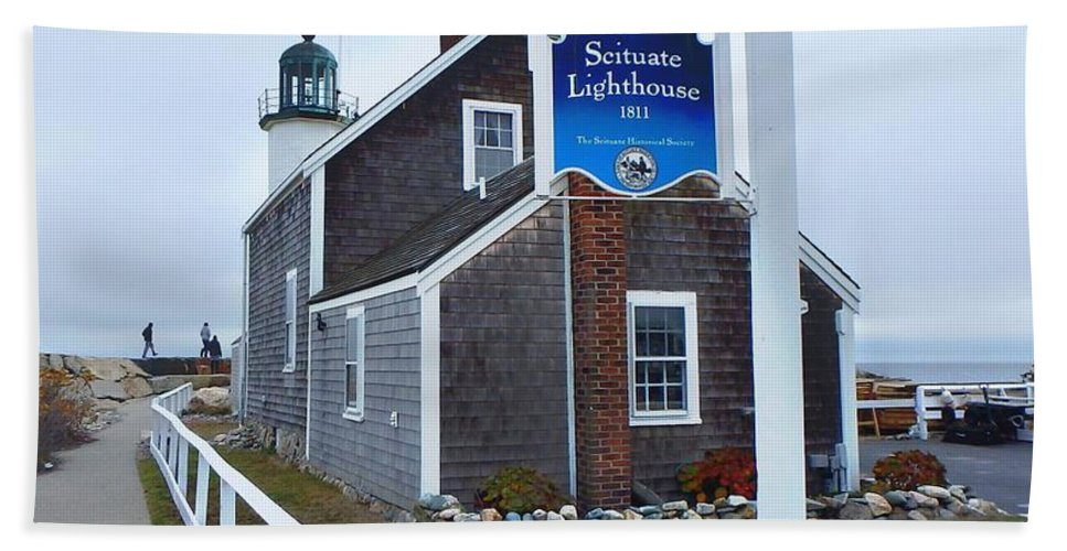 Scituate Lighthouse Bath Sheet featuring the photograph Scituate Lighthouse 1 by Kim Angely