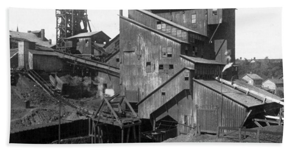 scranton Pennsylvania Bath Sheet featuring the photograph Scranton Pennsylvania Coal Mining - C 1905 by International Images